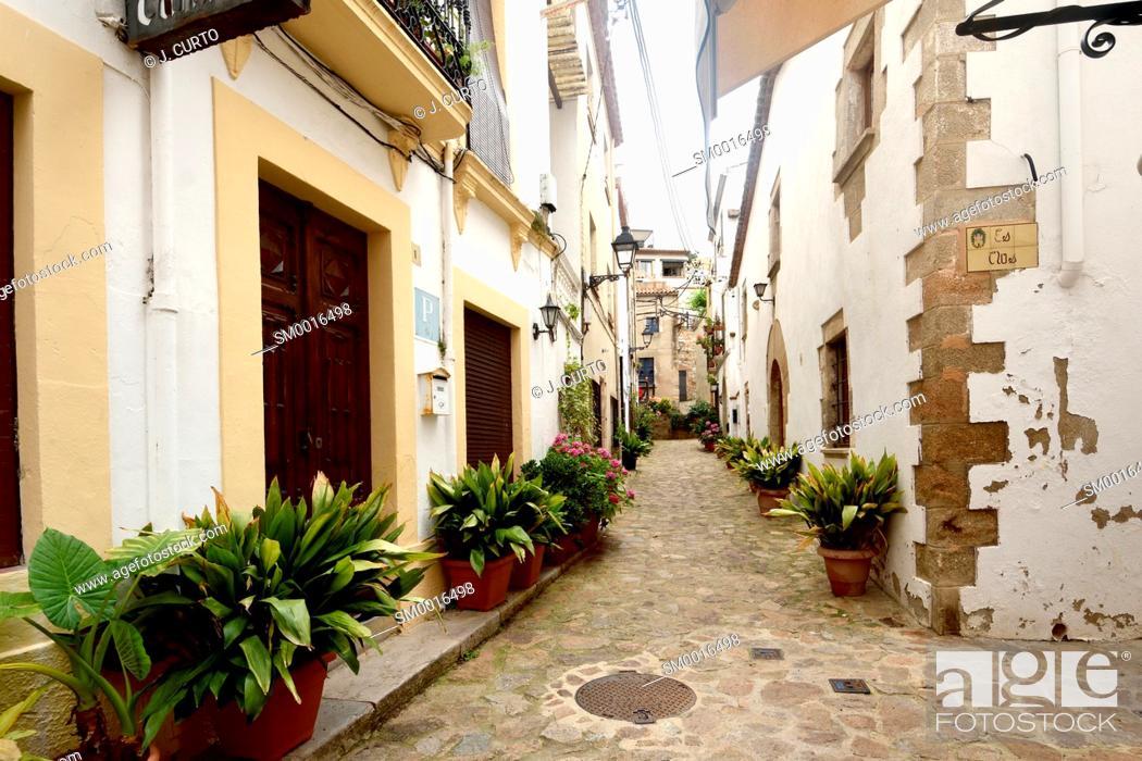 Stock Photo: old town of Tossa de Mar, Girona province, Catalonia, Spain.