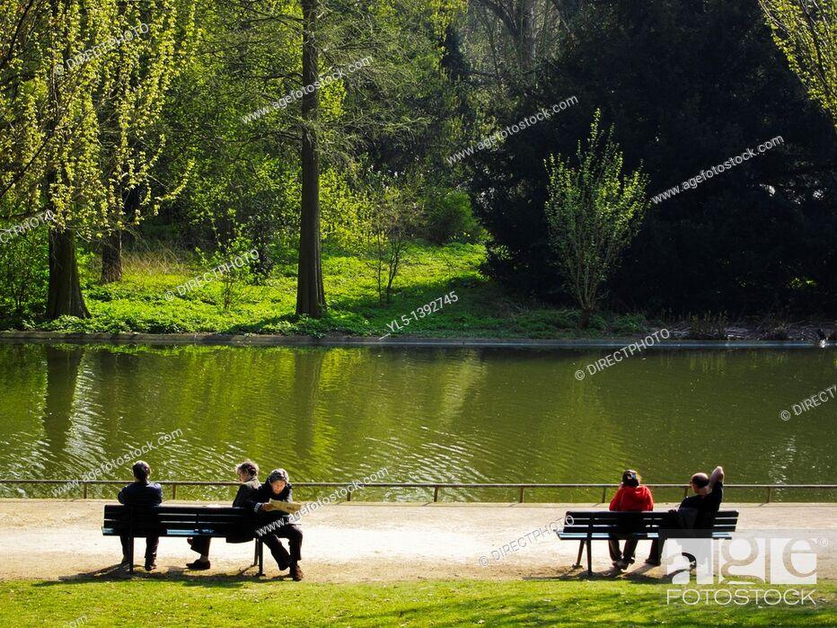 Stock Photo: Paris, France, People Relaxing in Urban Park, Parc de Vincennes, Lac Daumesnil.