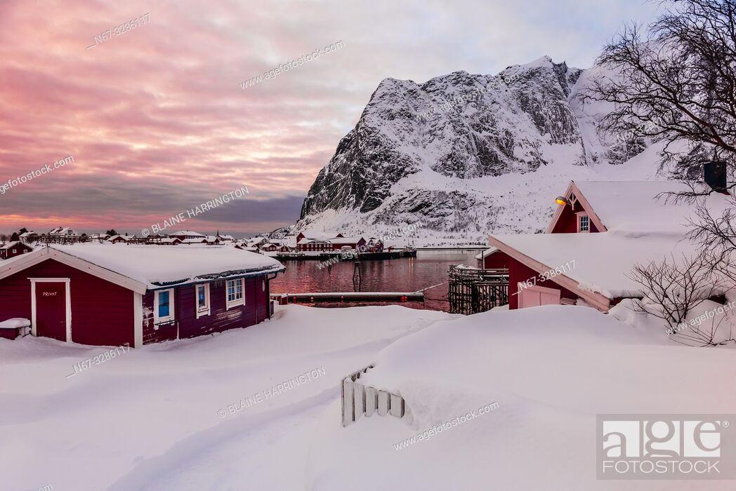 Stock Photo: The fishing village of Reine, on Moskenseoya Island in the Lofoten Islands, Arctic, Northern Norway.