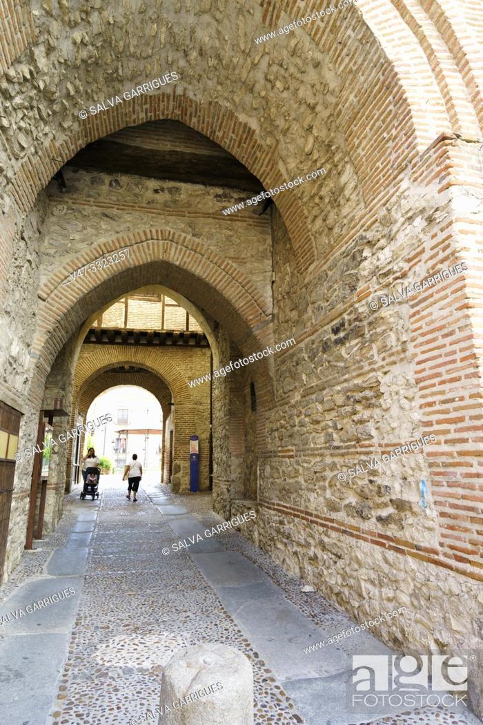 Stock Photo: Arco De Alcocer of Arévalo, Avila, Castilla y León, Spain.