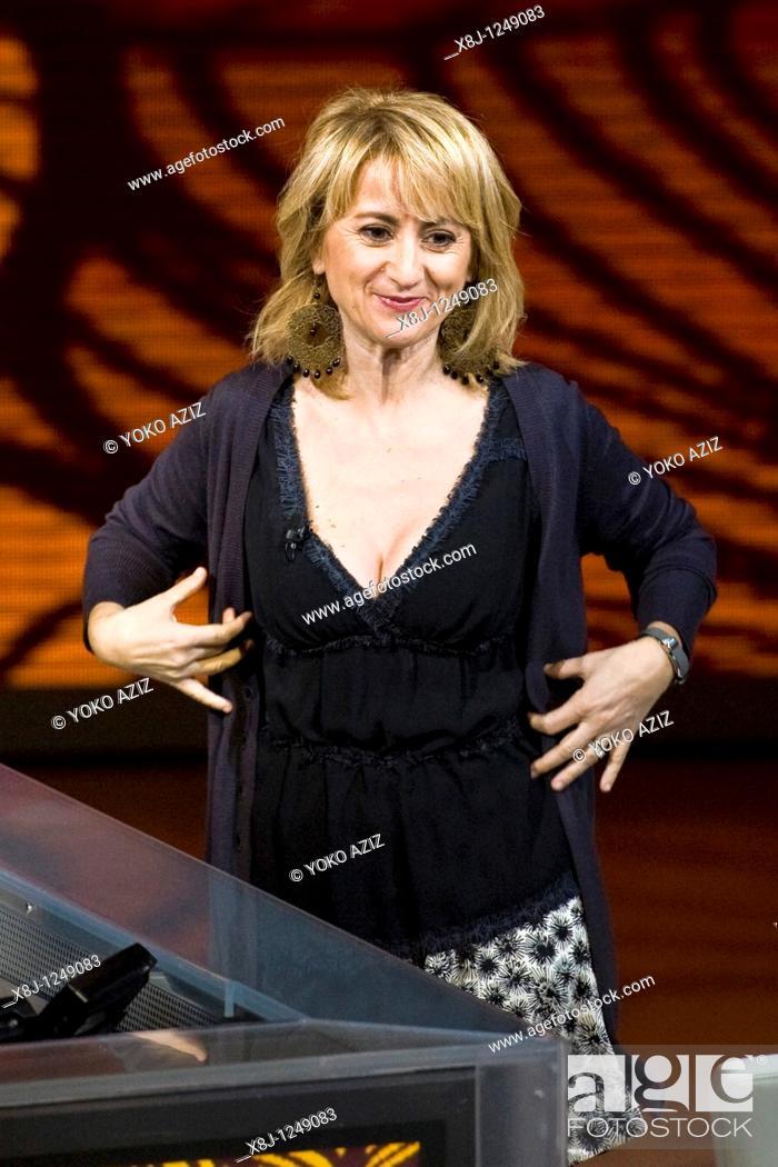 Stock Photo: 31 10 2010, Milan, 'Che tempo che fa' telecast, Luciana Littizzetto.