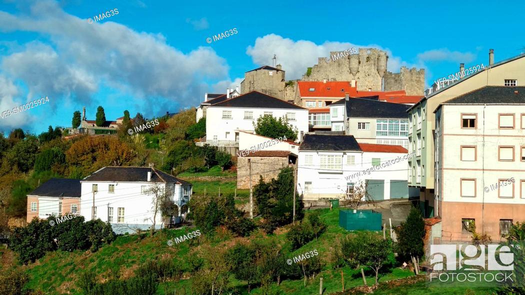 Stock Photo: Castro Caldelas, Ribeira Sacra, Ourense, Galicia, Spain.