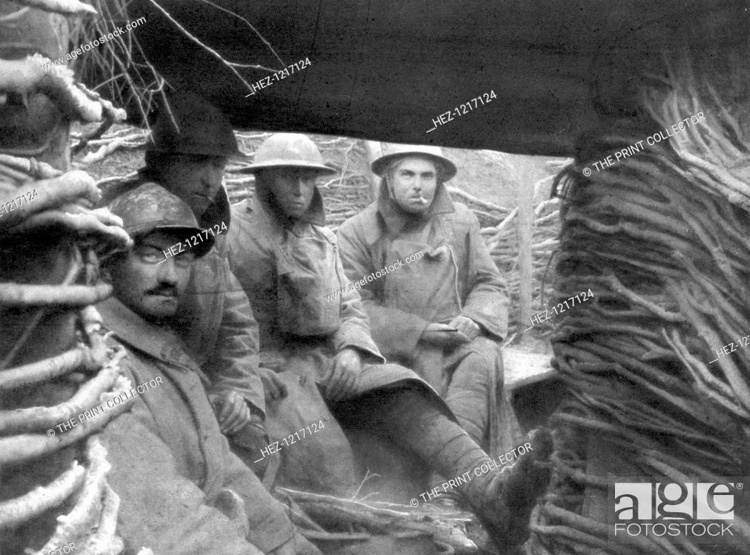 Stock Photo: American and French troops in a trench at the front, 1917-1918.