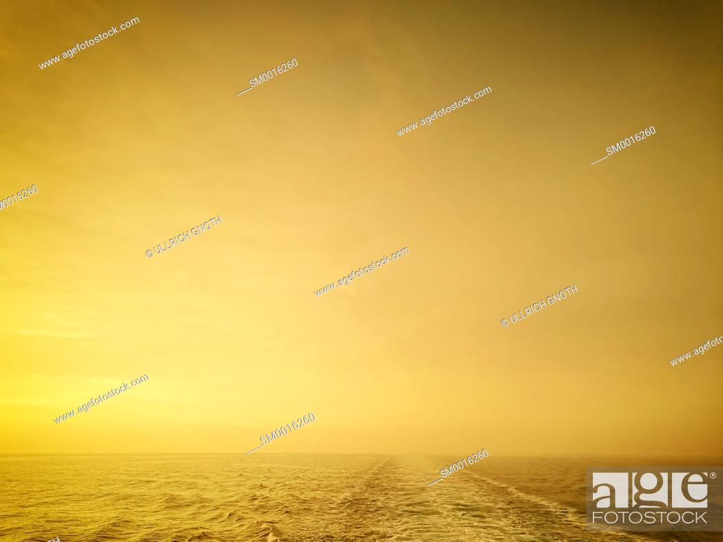 Stock Photo: Wake behind a big ship on open sea. Kielwasser hinter einem grossen Schiff auf hoher See.