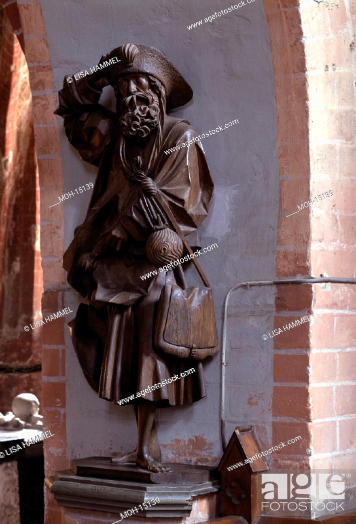 Stock Photo: Güstrow, Dom innen/Apostelfigur von Claus Berg.