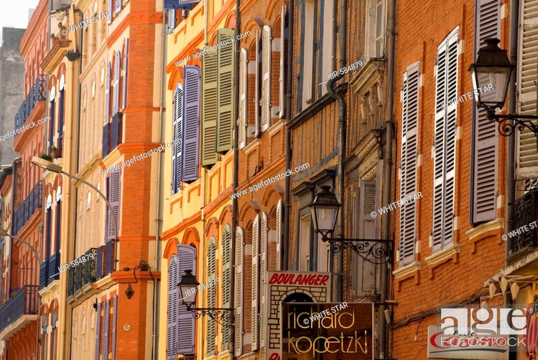 Stock Photo: Facades in the old part of town, Toulouse, Midi-Pyrenees, Haut-Garonne, France.