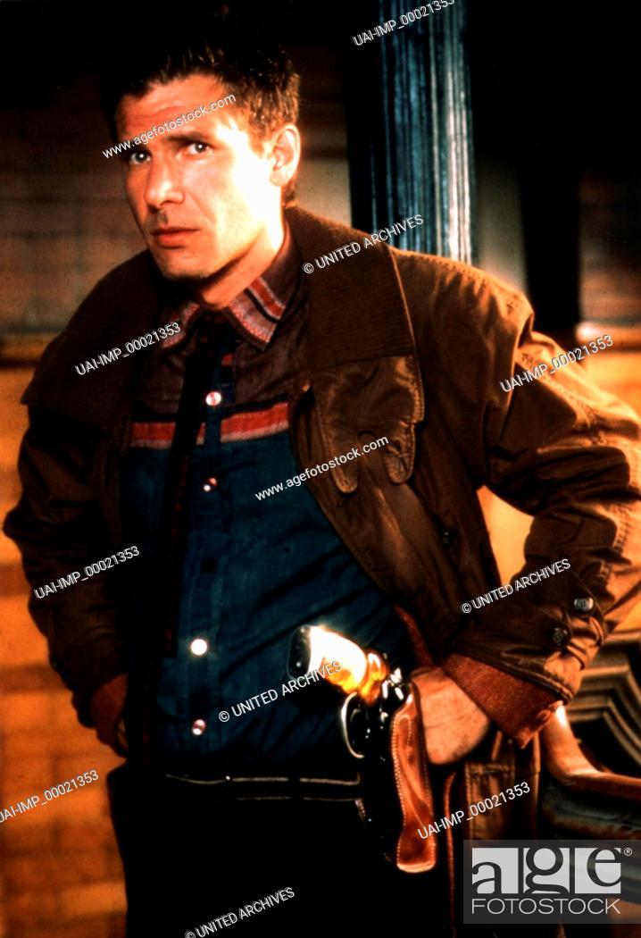 Stock Photo: Blade Runner, (BLADE RUNNER) USA 1982, Regie: Ridley Scott, HARRISON FORD, Key: Colt, Waffe, Revolver, Holster.