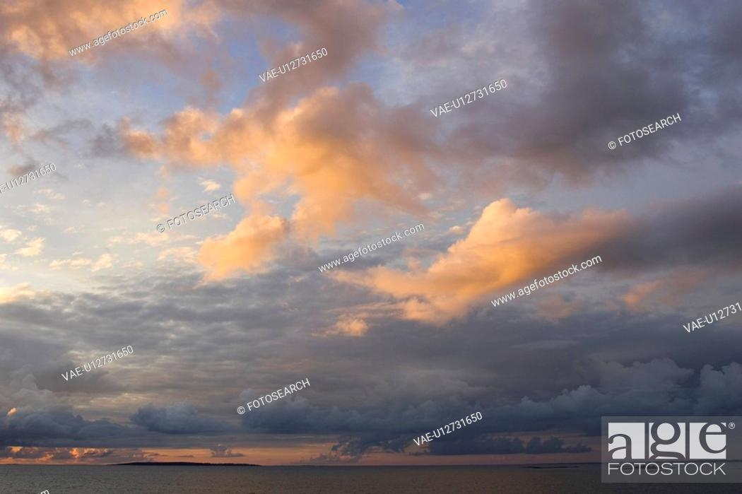 Stock Photo: Cloud, Cloudscape, Cumulus Cloud, Dusk, Fluffy.