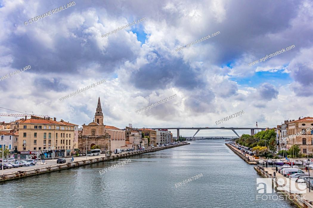 Stock Photo: View of Martigues, district of the island, the Venice of Provence, welcome to Provence.