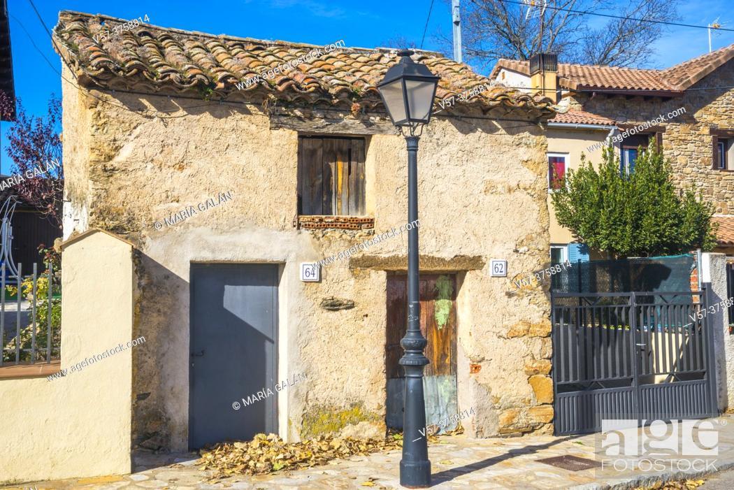 Stock Photo: Tiny house. Aoslos, Madrid province, Spain.