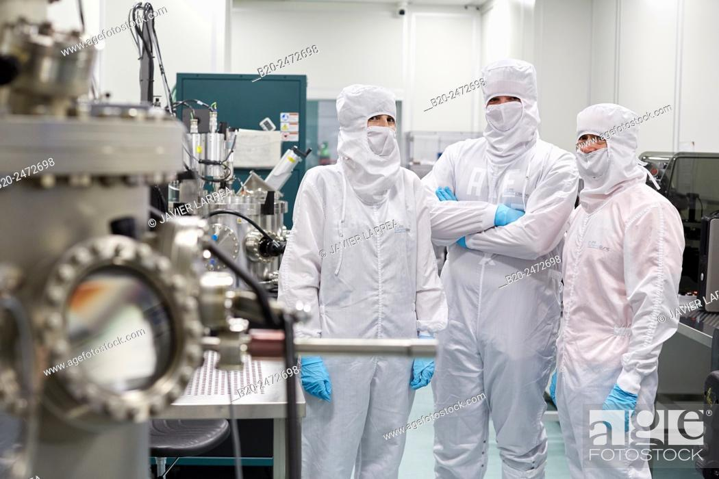 Imagen: Createc UHV deposition system. Cleanroom. Nanotechnology. Laboratory. CIC nanoGUNE Nano science Cooperative Research Center. Donostia. San Sebastian.