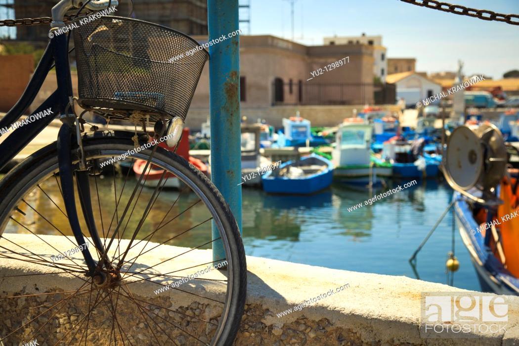 Stock Photo: Port of Favignana island near Sicily.