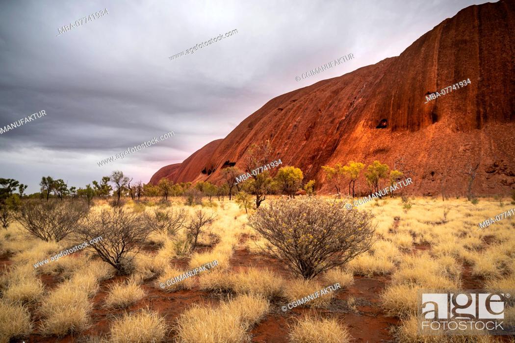 Stock Photo: Australia, Ayers Rock / Uluru.