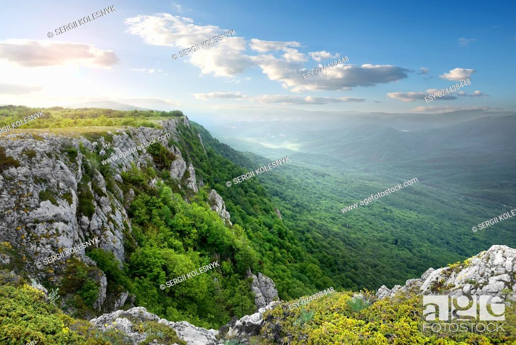 Stock Photo: Beautiful mountain plateau in the morning sunlight.