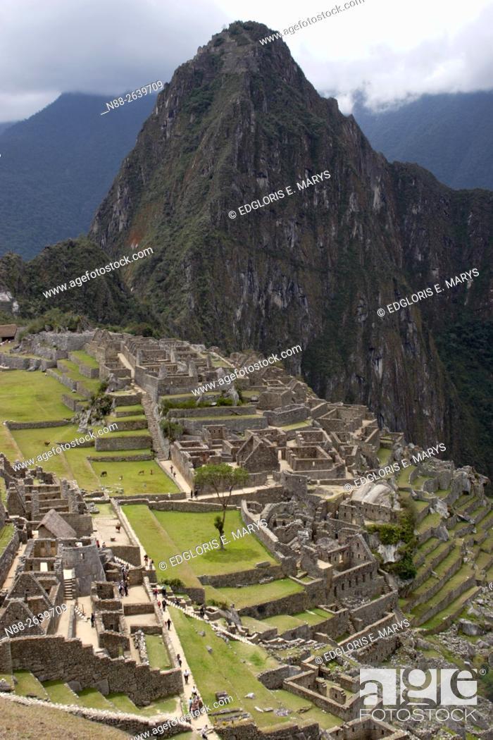 Stock Photo: The mystic lost city of Machu Picchu, Peru.