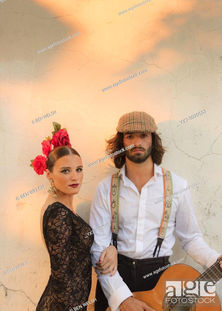 Imagen: Spanish couple dressed in flamenco style. Facinas, Tarifa, Cadiz, Andalusia, Southern Spain.
