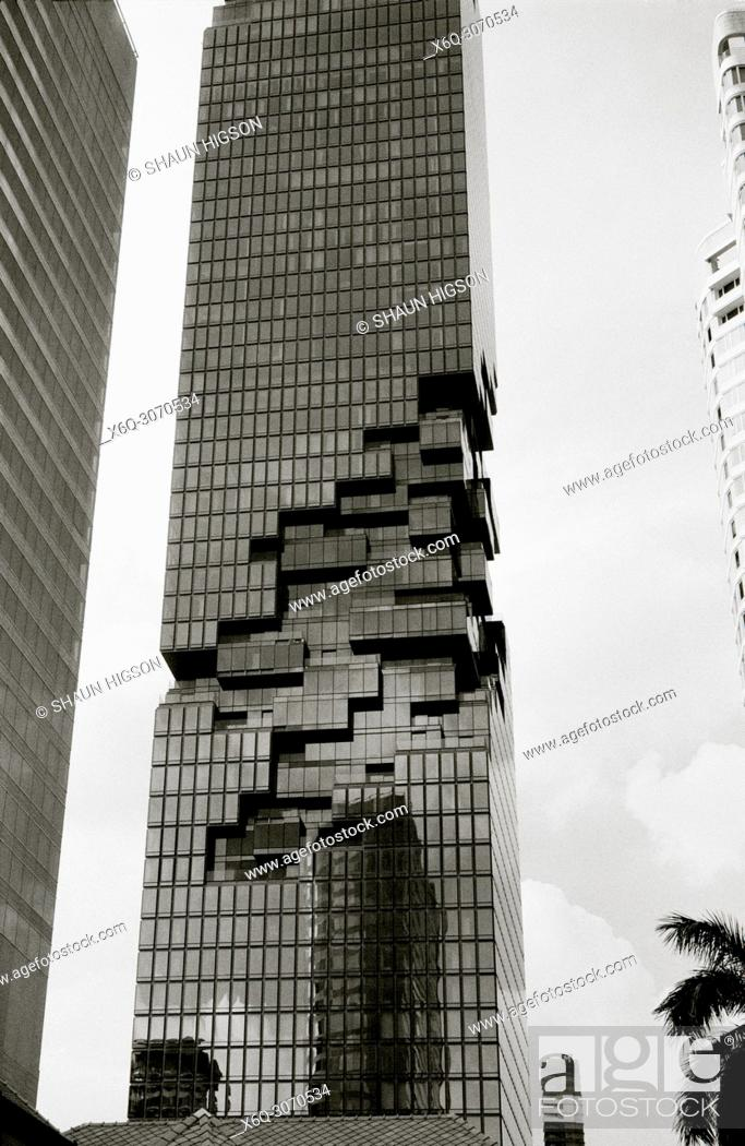 Imagen: Corporate modern architecture in Bangkok in Thailand in Southeast Asia Far East.