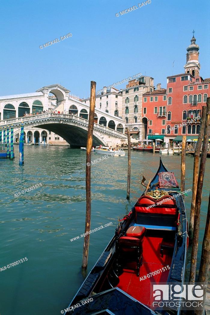 Stock Photo: Italy - Venice - Rialto - Bridge.