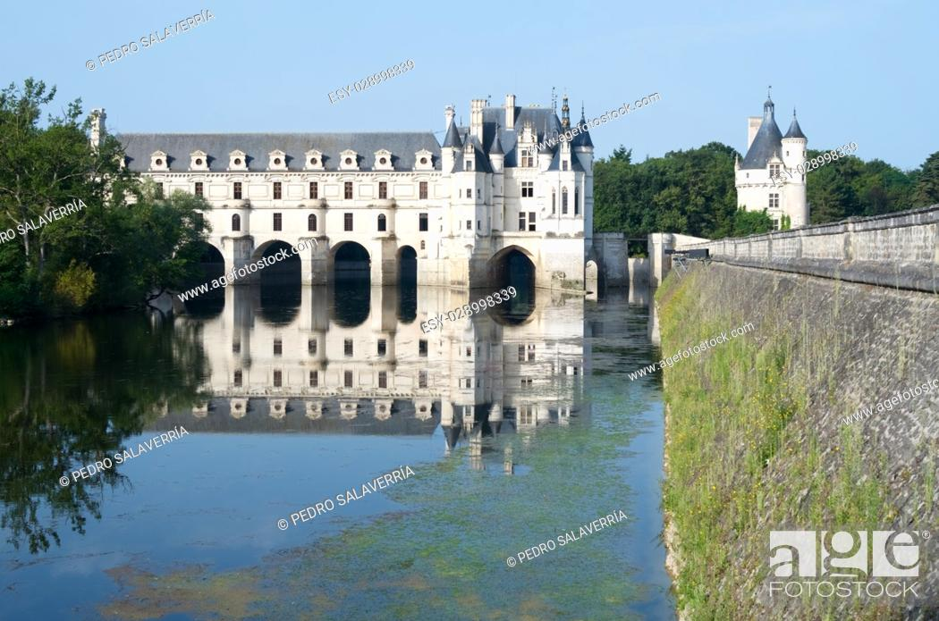 """Imagen: Chenonceau Castle, Loire Valley, France. Known as """"""""the castle of the ladies"""""""" was built in 1513 by Katherine Briconnet, houses a collection of valuable."""