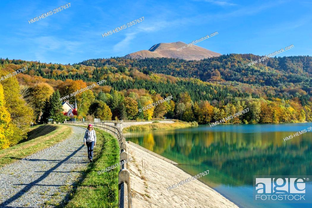 Stock Photo: France, Isere, surroundings of Grenoble, Matheysine region, hike on the GR 549 around the Laffrey lakes, lake Mort and Grand Serre (alt : 2141m) in the.