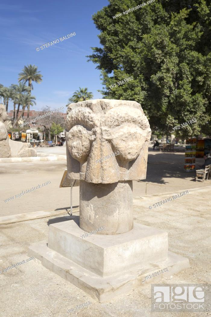 Imagen: The Hathor head, 1550-1069 BC circa, limestone, Mit Rahina museum, Memphis, Egypt.