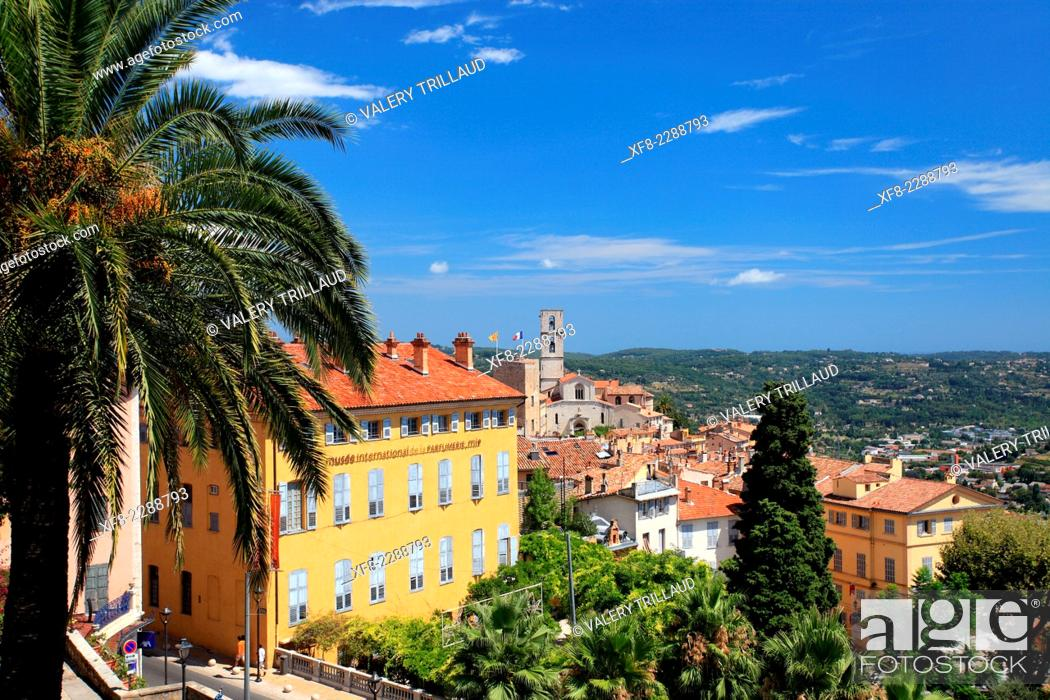 Stock Photo: The city of Grasse, Préalpes d'Azur regional park, Alpes-Maritimes, Provence-Alpes-Côte d'Azur, France.