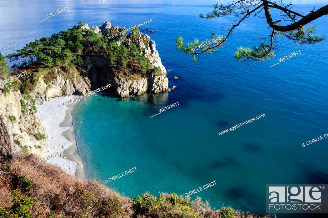 Stock Photo: France, Finistere, Iroise Sea, Presqu'ile de Crozon, Cap de la Chevre, Pointe de Saint Hernot.