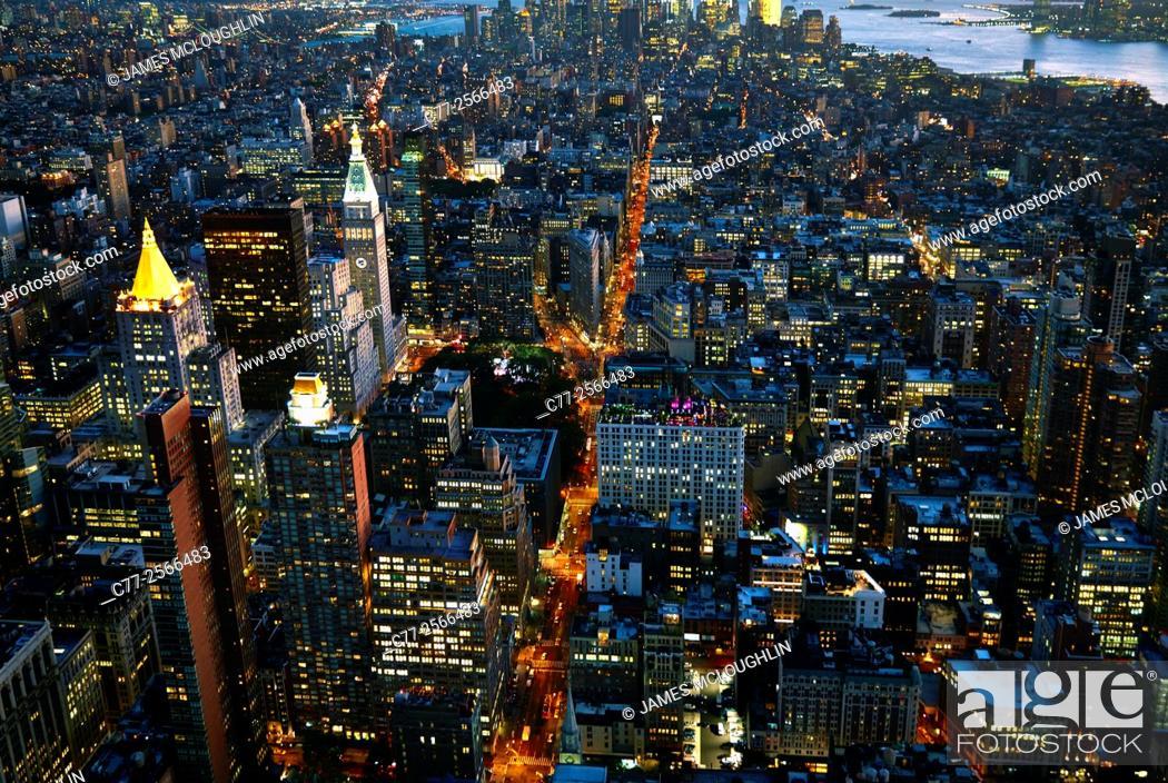 Imagen: New York City, Manhattan, Skyline, Downtown, Night, Sky Scrapers.