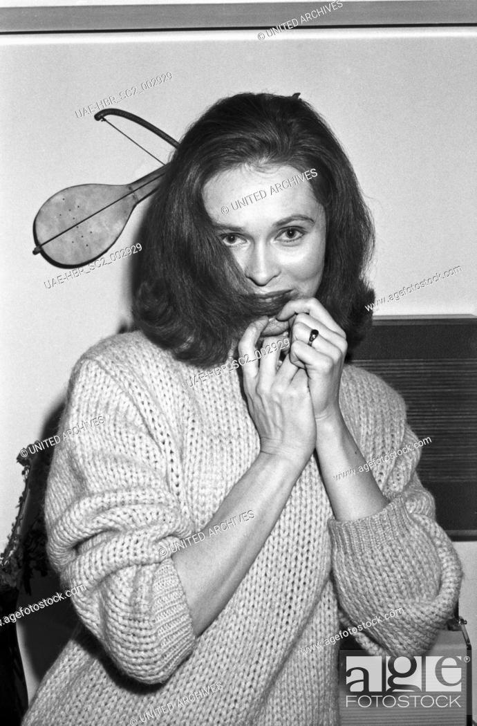 Imagen: Die österreichische Schauspielerin Linny Claudius, Deutschland 1960er Jahre. Austrian actress Linny Claudius, Germany 1960s. 24x36swNeg78.
