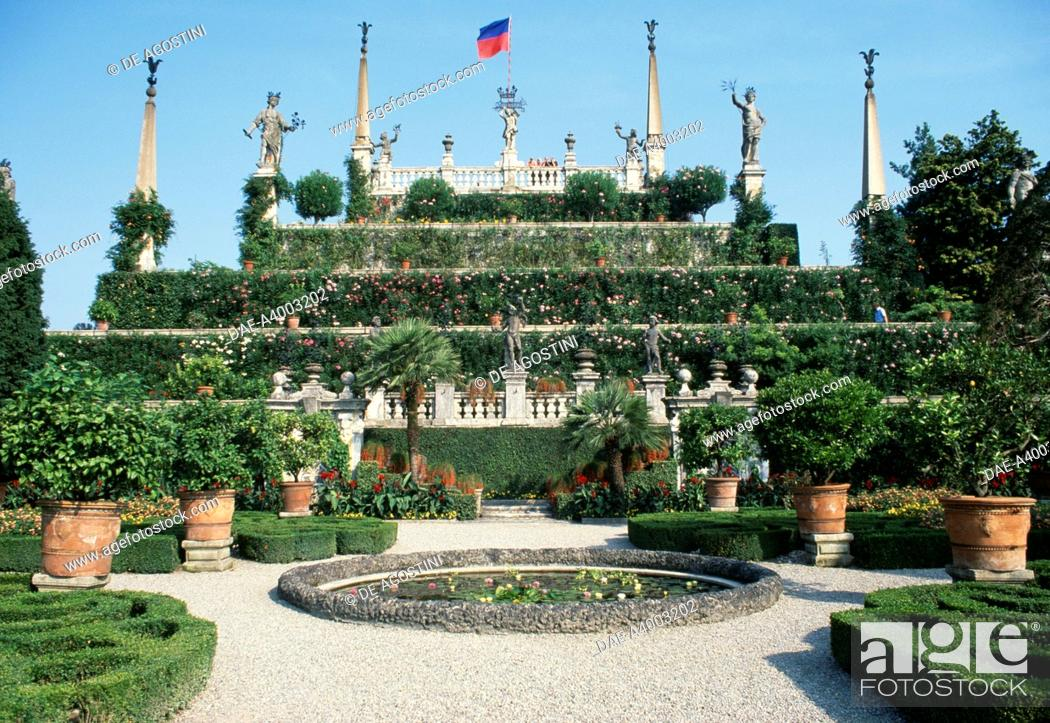 Stock Photo: The Italian garden on Isola Bella, 17th century, Borromean Islands, Lake Maggiore, Piedmont, Italy. Detail.