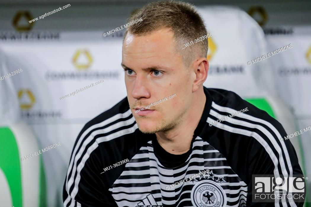Imagen: Wolfsburg, Germany, March 20, 2019: portrait of German goalkeeper Marc-Andre ter Stegen sitting on the bench during the international soccer game Germany vs.
