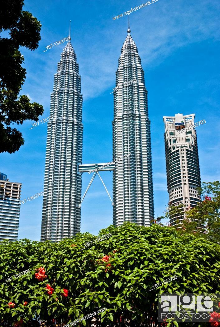 Stock Photo: Twin Towers 88 Stories at Kuala Lumpur City Centre  Kuala Lumpur,Malaysia.