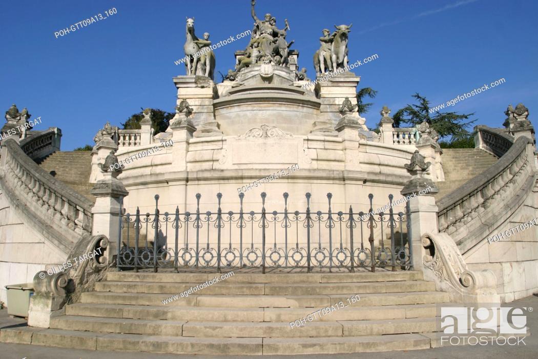Stock Photo: tourism, France, upper normandy, seine maritime, rouen, rue aux ours, street, fountain sainte marie, rue louis ricard, street.