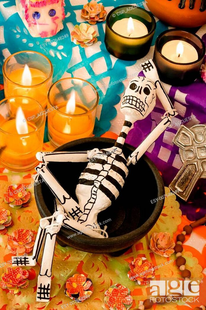 Photo de stock: Mexican day of the dead offering (Dia de Muertos).