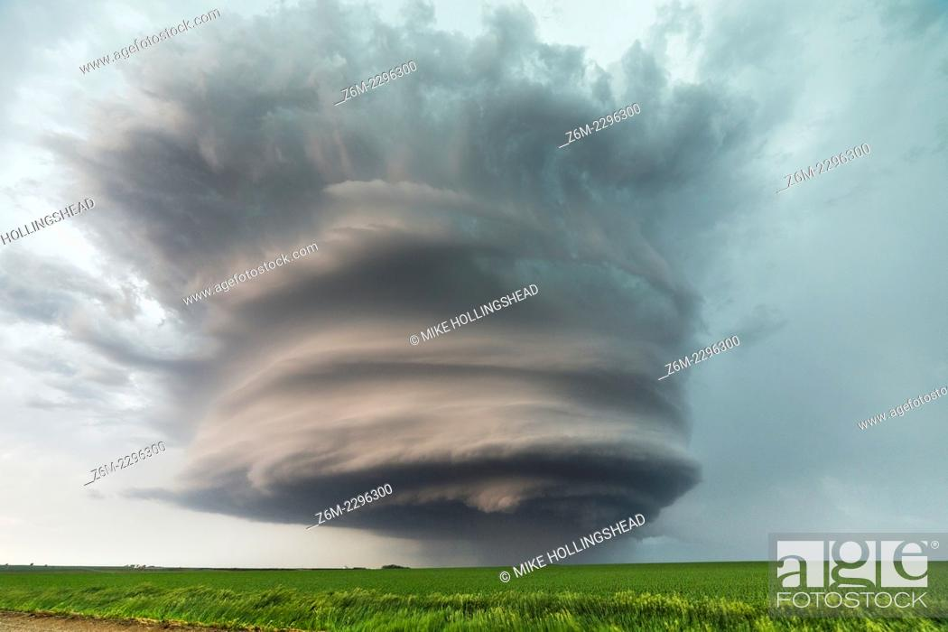 Stock Photo: Supercell moves across the country near West Point Nebraska.