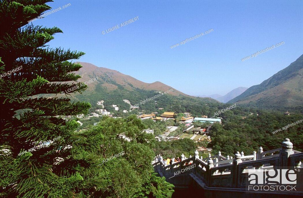Stock Photo: Hong-Kong - ile de Lantau - Polin monastery.
