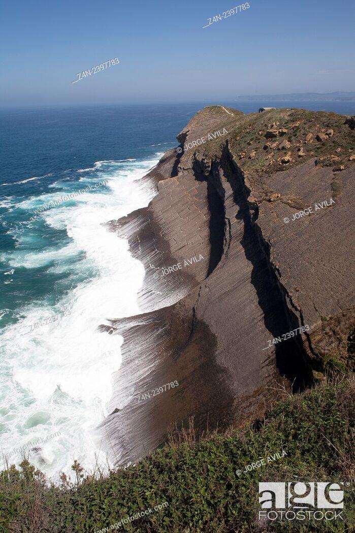Imagen: Cliff, Santander, Spain.