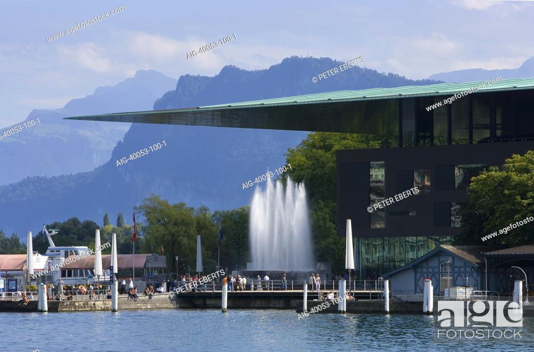 Stock Photo: 1995-2000 erbaut von Jean Nouvel. Luzern Festival 2007, Luzern, Kultur- und Kongresszentrum.