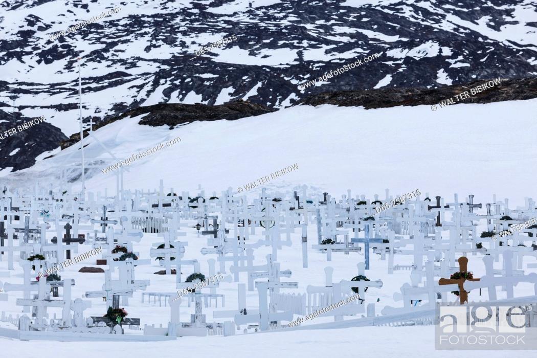 Stock Photo: Greenland, Disko Bay, Ilulissat, bay side cemetery under snow.