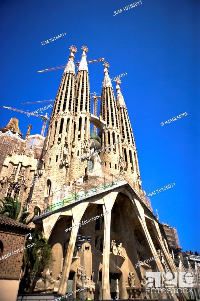 Stock Photo: Spain, Catalonia, Barcelona, The church of the Holy Family, Sagrada Familia.