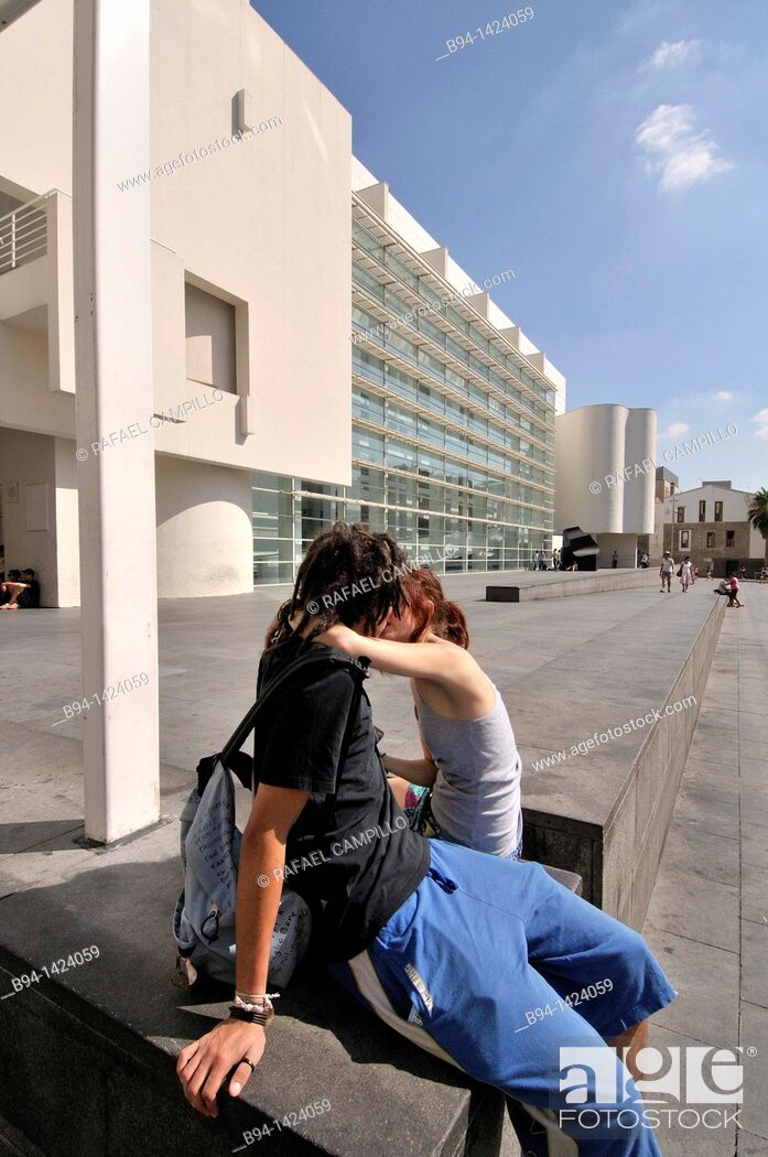 Stock Photo: MACBA. Museum of Contemporary Art (1987-1995 by Richard Meier). Plaça dels Àngels. Barcelona. Catalonia. Spain.