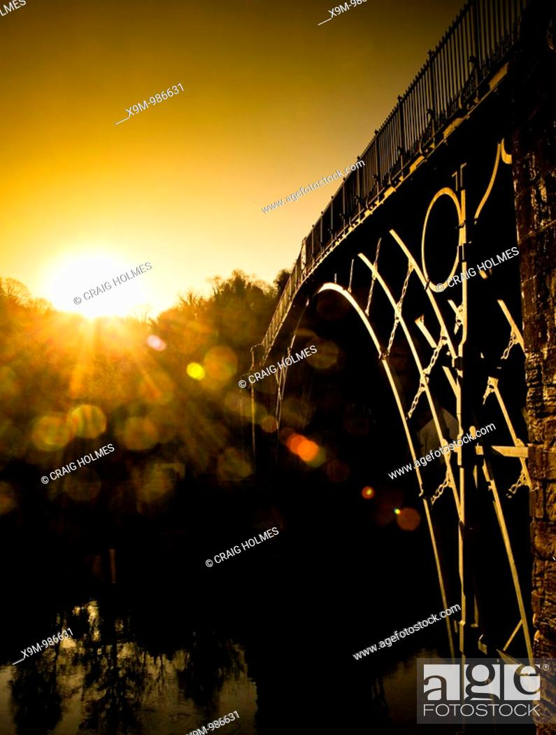 Stock Photo: The Ironbridge in Ironbridge, Telford, Shropshire, along the River Severn, England.