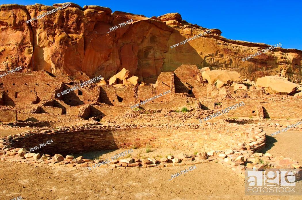 Stock Photo: Pueblo Bonito Chaco Culture National Historical Park scenery, New Mexico, United States of America, North America.