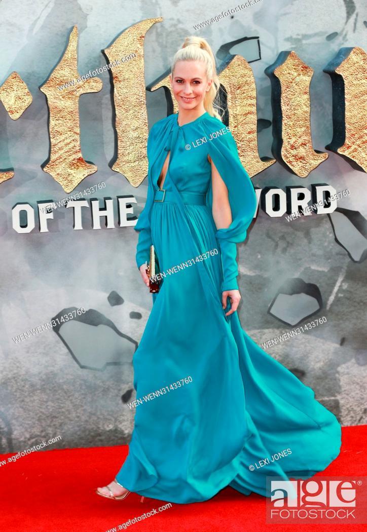 Photo de stock: 'King Arthur: Legend of the Sword' film premiere - Arrivals Featuring: Poppy Delevingne Where: London, United Kingdom When: 11 May 2017 Credit: Lexi Jones/WENN.