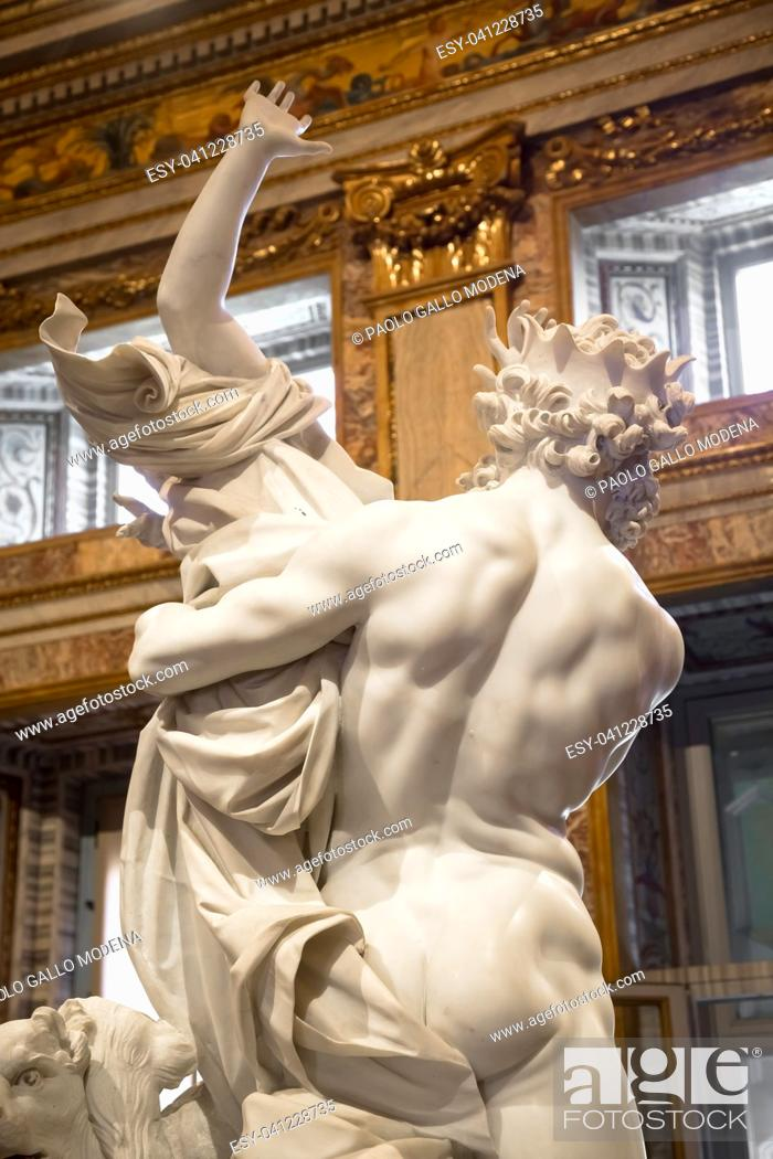 Imagen: ROME, ITALY - AUGUST 24, 2018: Gian Lorenzo Bernini masterpiece, The Rape of Prosperina, dated 1622.