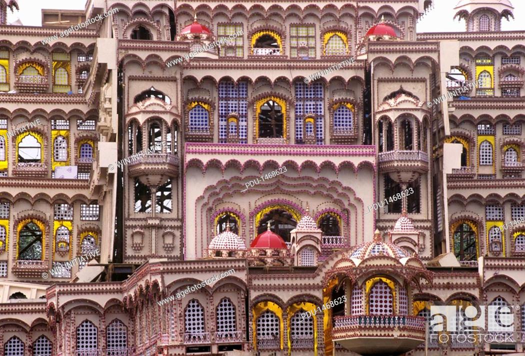 Stock Photo: India, Gujurat, Decorative windows in traditional housing.