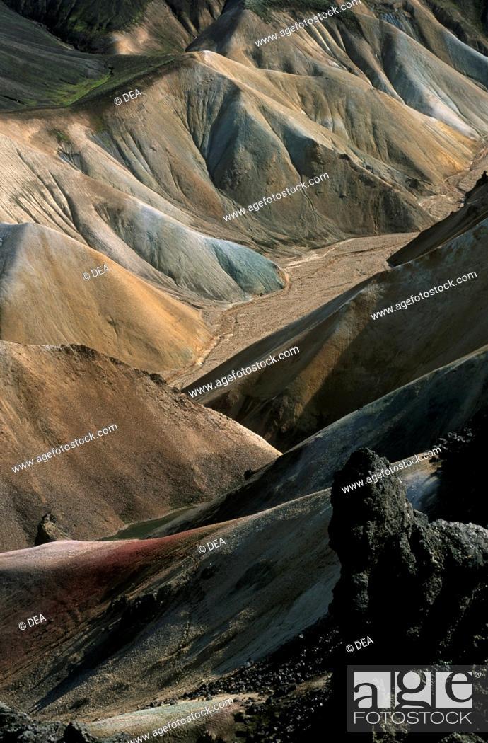 Stock Photo: Iceland - Rangarvallasysla - Landmannalaugar, view from Brennisteinsalda mountain.
