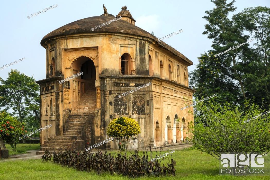 Imagen: Sivasagar, India - November 2020: The Rang Ghar the royal sports-pavilion where Ahom kings and nobles were spectators at games on November 22, 2020 in Sivasagar.