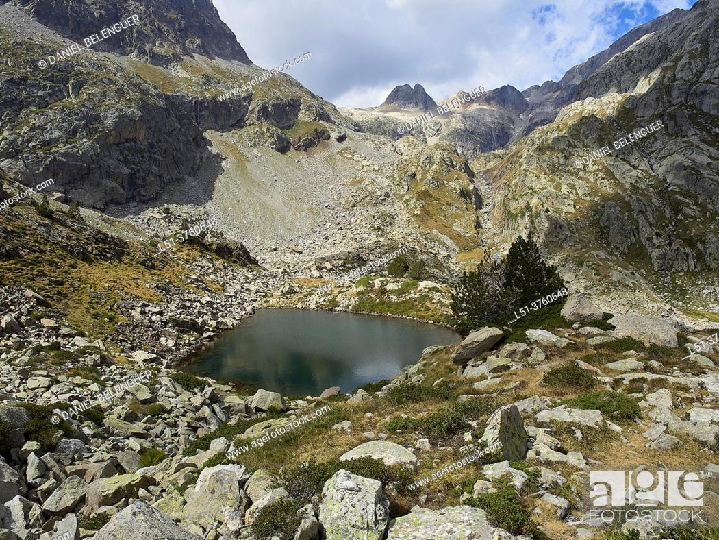 Stock Photo: Remuñe tarn, Remuñe valley, Pyrenees, Benasque, Aragón, Spain.