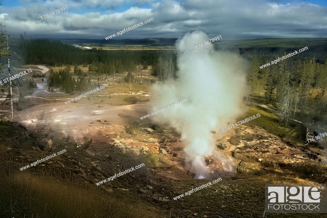 Stock Photo: Steaming geysers, Norris Geyser Basin, Yellowstone National Park, Wyoming, USA.